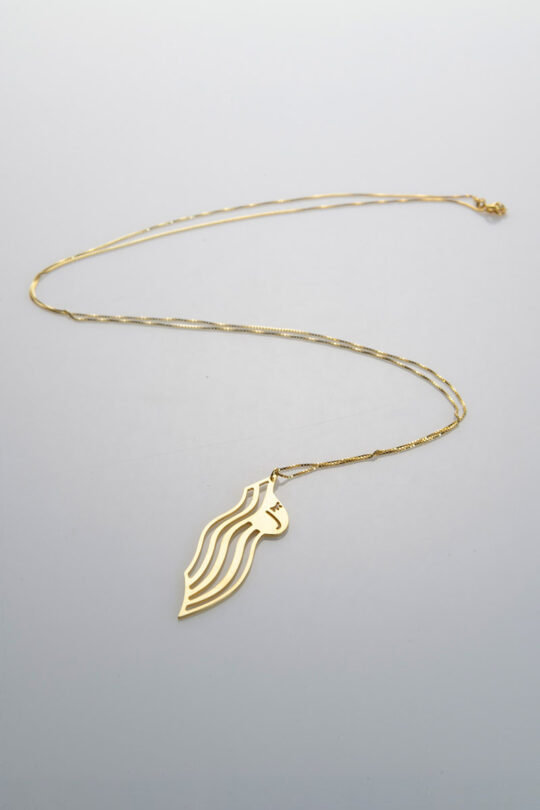 woman gold necklace jewelry